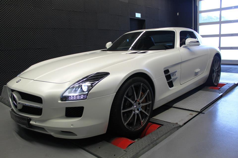 Mercedes benz sls 6 3 v8 amg waiting for a performance for Mercedes benz software